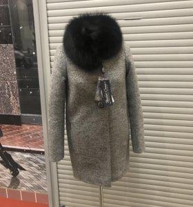 Пальто зимнее мех песец