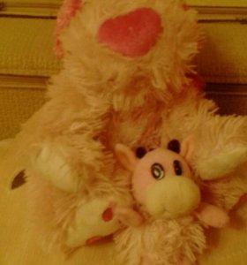 Игрушка собачка и бычок лепучька в подарок.