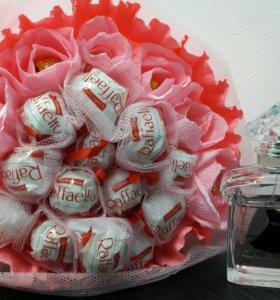 Празничный букет из конфет