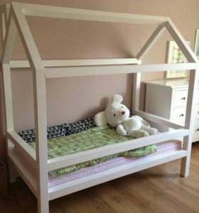 Детские кроватки-домики
