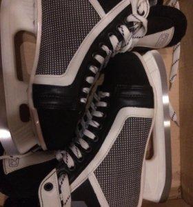 Коньки хоккейные 40 размер