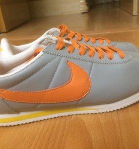 Новые кроссовки Nike Cortez в серо-рыжем цвете👍🏻