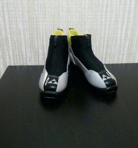 Ботинки лыжные 34 размер