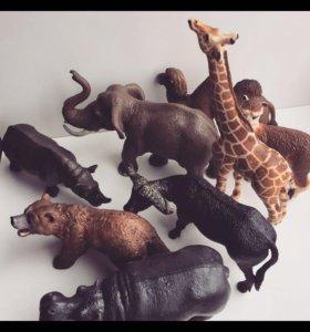 Продам фигурки животных