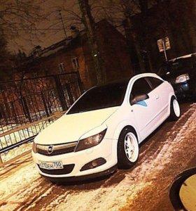 Opel Astra GTС