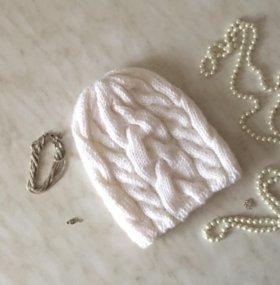 Объемная шапка ручной работы (пример)
