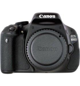 Зеркальный фотоаппарат Canon EOS D 600