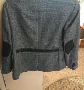 Мужской пиджак с кожаными вставками