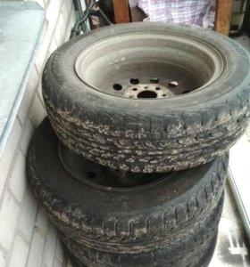 Шины на дисках R14 на ВАЗ ( цена за все 4 колеса
