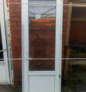 Дверь балконая.