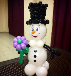 Снеговик в шляпе (из шариков)