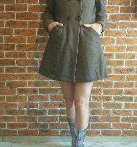 Осеннее пальто Bershka