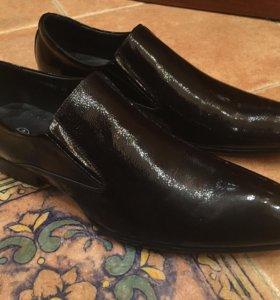 Туфли мужские Терволина лаковые (новые)