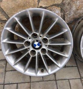 Продам литые диски BMW на 16