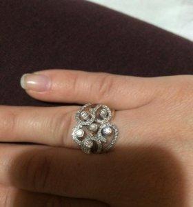 Золотой Кольцо с бриллиантами