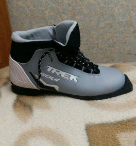 Ботинки лыжные Trek Soul ик47.
