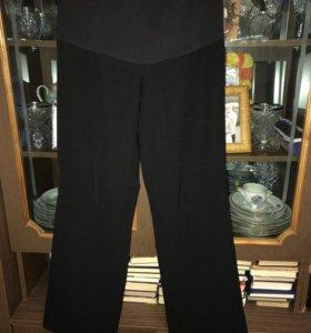 Одежда для беременной (брюки, маечка, кофта)