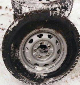 Продам колёса проктически новые на УАЗ