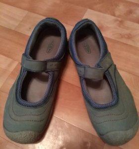 Обувь женская KEEN