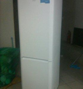 Срочно продаётся холодильник.