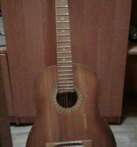 Гитара классическая для начинающих.
