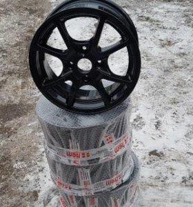 Комплект литых дисков R14