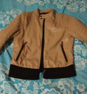 Куртка для девочки подростка.