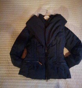 Куртка пуховая. Очень легкая и теплая.