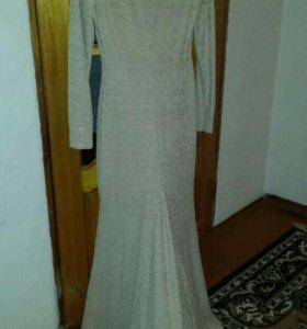Платье с хвостом
