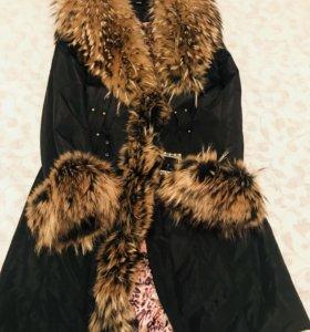 Пальто с подкладом из кроличьего меха.