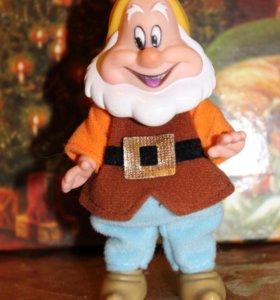 Кукла гном Весельчак от Simba (Disney)