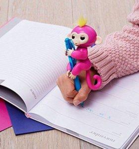 Интерактивная игрушка Monkey Fingerlings
