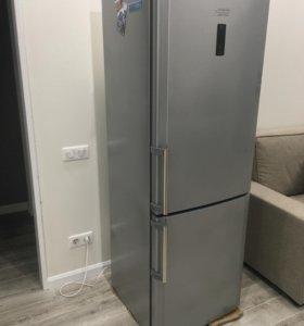 Холодильник Hotpoint-Ariston No FROST