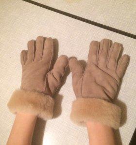 Натур.замшевый женские перчатки.
