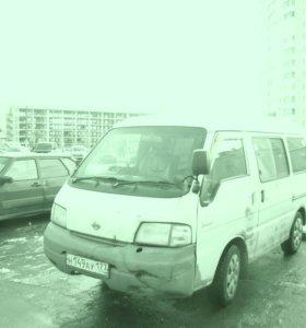 Продаю микроавтобус минивэн
