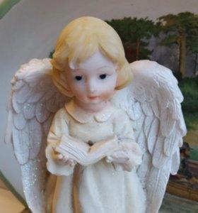 Старинная редкая статуэтка девочка винтаж