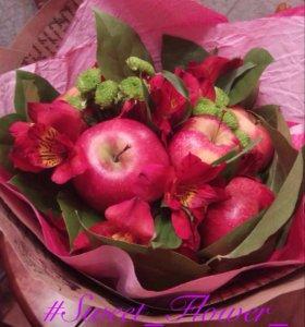 Букет из цветов и фруктов🌺🍇💐
