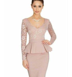 Вечернее платье. Размер 48.