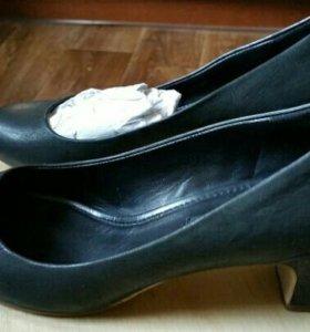Черные новые женские туфли фирмы ecco