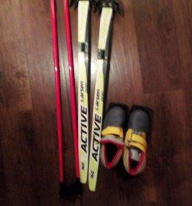 Комплект:Лыжи,палки,лыжные ботинки