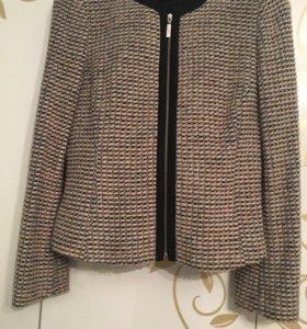 Новый пиджак буклированная шерсть на 46 размер