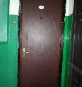 Дверь металическая б/у.