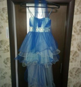 Платье на девочку.42.44