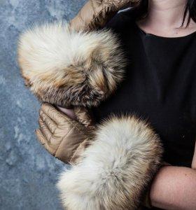 Теплые перчатки на синтепоне с шикарной лисой