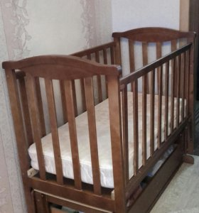 Детская кроватка