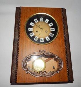 Часы Янтарь