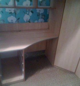 Кровать - чердак со столом и шкафом