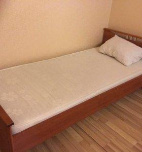 Кровать с матрасом ортопедическим