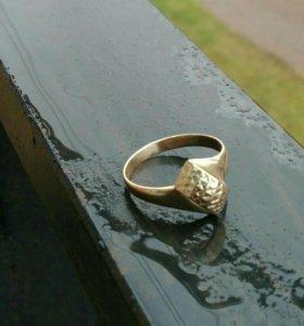 Кольцо золотое 585 пр