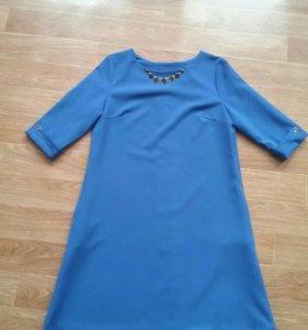 Нарядное платье размер L